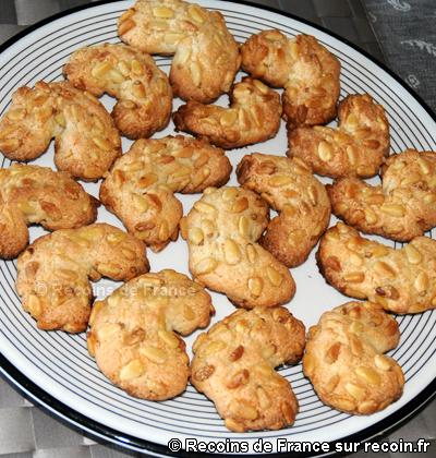 Croissants aux pignons