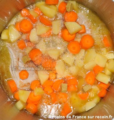 Filet mignon aux pommes de terre et aux carottes