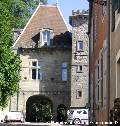 Ville thermale de bourbonne les bains sur for Rue des bains
