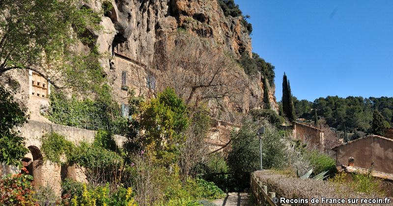 Promenade du rocher à Cotignac