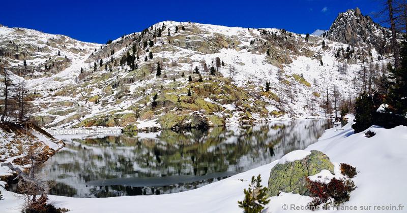 Lac de Graveirette sous la neige