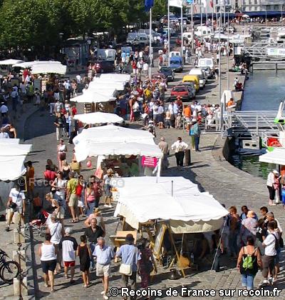 Marché des artisans à la Rochelle