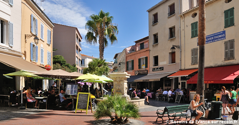 Place Cavet à Sanary