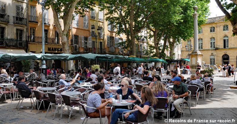 Place de l'Hôtel de Ville à Aix