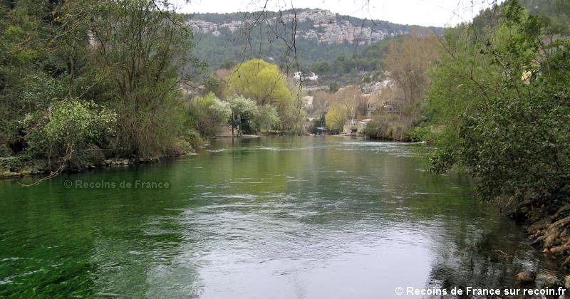 Résurgence de Fontaine de Vaucluse.
