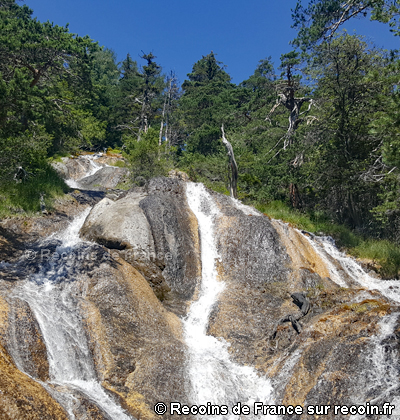 Sentier de l'eau à Montgirod